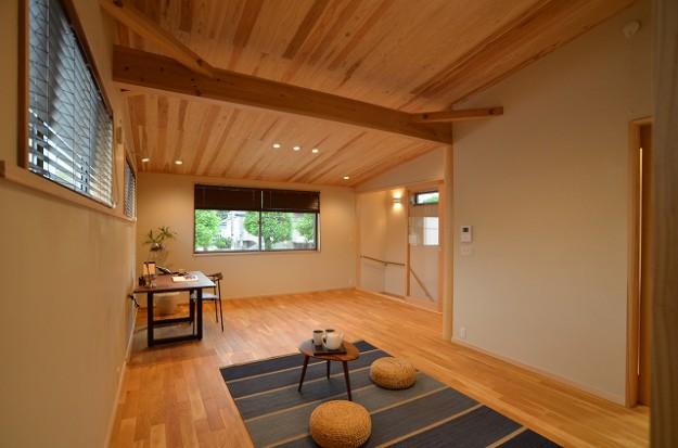 s-勾配杉板天井