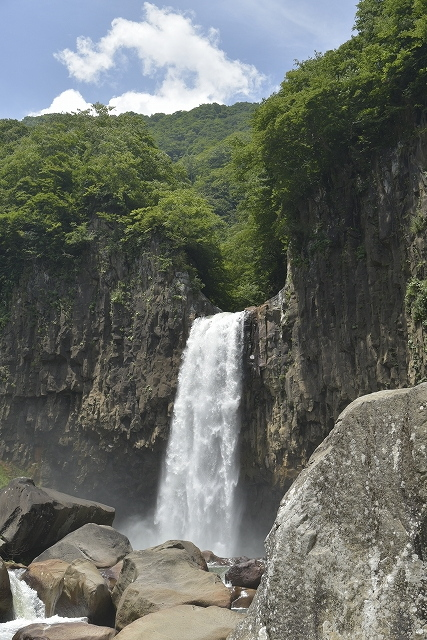 s-1221苗名の滝